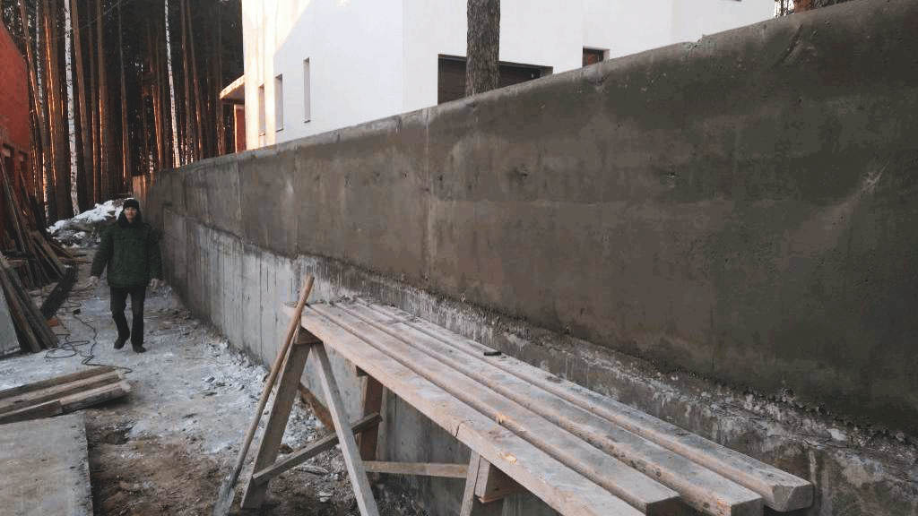 Подпорная стенка в комбинации с забором 32