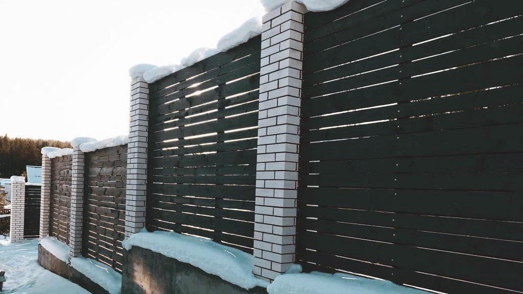 Подпорная стенка в комбинации с забором 9